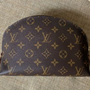 Louis Vuitton Cosmetic pouch GM